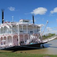 Cruising the Mississippi River on the American Duchess  (on JohnnyJet.com)